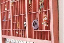 Stand exposition vitrine bijoux / comment ranger ses bijoux : astuces