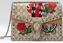Osez les imprimés ! / Fleurs, animaux, lettres, personnages, les imprimés font leur grand retour ! Ils renouvellent les plus beaux sacs pour en faire des petits bijoux modernes et personnalisés selon les goûts, les saisons et les âges !