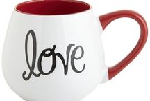 Um café e um amor...quentes por favor! ❤️ / Xícaras