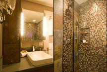 Bathroom / by Laura Theisz