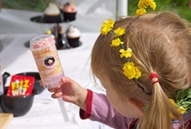 Push Pops / Designed with little hands in mind, kids (including adult-sized ones) absolutely love these lolly-style cakes.  http://www.cakenest.co.uk/shop/push-pops-202