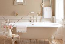 Bathrooms / by Kathy Bernsen