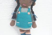 bonecas em amigurimi