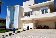 Fachadas com Paisagismo Moderno! / Veja + Inspirações e Dicas de decoração no blog!  www.construindominhacasaclean.com