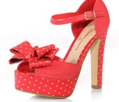 IF i wore heels i'd wear these :)