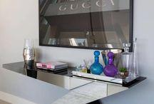 Aparador espelhado / Além de prático, o aparador espelhado pode ser o item de decoração que falta na sua sala de jantar! Se inspire.
