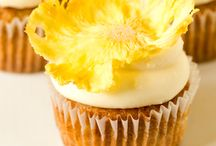I Love Muffins & Cupcakes / by Renaire Le Blanc