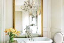 Bathroom / by Toni Roesslein
