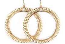 Latest style hoop earrings / Add style and glamour to your look with these hoops.