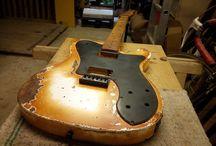 MXKT Custom Guitars
