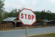 Panneaux / Des photos de panneaux amusants prises au cours de mes voyages. (www.lapageapageau.com)