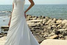 Here comes the strapless bride