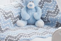 knit/crochet baby items / by Tina Niesen