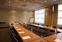 Vos séminaires sur Ajaccio / Notre établissement possède 7 salles de séminaires pouvant accueillir jusque 100 personnes.
