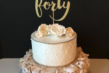 40th Birthday Party Ideas / Party ideas for 40th birthdays including birthday cakes, party decorations, and party foods.