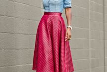 красная юбка с чем носить