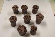 razitka, zdobení keramiky