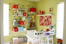 Craftroom & home office  idea / by Débora González
