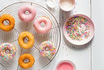 Donuts Macrons Cake Pops