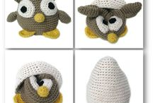 Create: Crochet Animals: Birds & Bats / Owls, Parrots, Ostriches, Peacocks, Puffins, Ducks, Flamingos, Sparrows, Pigeons, Turkeys, Chickadees, Eagles, Toucans, Mallards, Loons, Parakeets, Dodos, Swans, Bluejays, Cardinals, Ravens, Pelicans, Turkey Vultures, Goldfinches, Kingfishers, Canaries, Bats / by Kaitlyn L