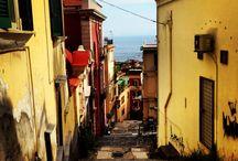 Naples / Tutto è azzurro a Napoli, anche la malinconia.