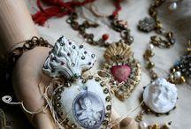 Relics & Artifacts / Relics & Artifacts