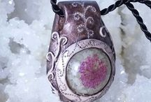 ElveMagic.etsy.com / Orgonite artisans. Pendants, bracellets and unique pendants made of gemstones