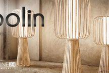 Merk | Lasfera | DesignOnline24 / LaSfera Moolin Vloerlampen en Hanglampen. Moolin is een puur handgemaakte lichtsculptuur gemaakt uit natuurlijke bamboe. Door het gebruik van de traditionele ambachtelijke buig technieken, behoud deze lamp zijn eigen karakter en uniek persoonlijk tintje. Moolin is beschikbaar in verschillende afmetingen. DesignOnline24 is officieel dealer van de gehele collecte van Lasfera. Vragen? Bel met onze klantenservice!