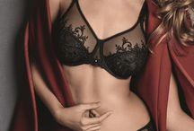 Zwarte lingerie / Shop zwarte lingerie online bij lingerie Marie. Black lingerie. www.lingeriemarie.be