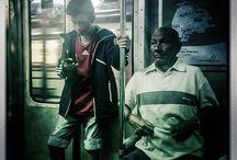 Retratos Citadinos en Baja Res. / Fotografía capturada con dispositivo móvil. Retratos en tránsito. Presencias en la ciudad.