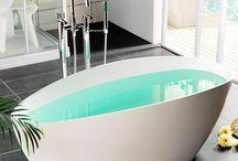 Badkar och massagebadkar / Betraktar du badandet som en högtidstund och där du kan vara för dig själv en stund? Då rekommenderar vi dig att titta på vårt breda sortiment av både badkar och massagebadkar.