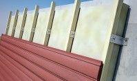 Isolation Thermique par l'Extérieur (ITE) / Les équerres et accessoires Simpson Strong-Tie® sont utilisés pour la réalisation d'isolation par l'extérieur des façades de constructions neuves ou en rénovation. Elles permettent la fixation de chevrons qui constituent l'ossature secondaire. Cette ossature est déportée du mur et sert de support au revêtement de type bardage.