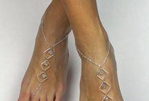Feminine feet