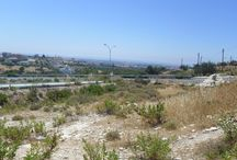 Code No.7374 A residential plot for sale in theErimi area in Limassol. / Code No.7374 A residential plot for sale in theErimi area in Limassol.  The plot has an area of +/-732m².  In the H3 zone, with 60% build factor, 35% cover ratio and permission to build up to 2 floors.  The plot with easy access and close to all amenities.  Located only 10 km or 10 minutes to the Orfanidis roundabout and 15 km or 15 minutes to the beach and the town center. Has full share of title deeds.  Has large face,flat surface. Selling price: €185.000