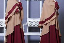 Gamis Motif / Gamis syar'i dengan model terbaru dan motif-motif trendy.
