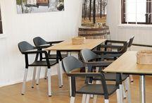 JOHANSON (Швеция) / JOHANSON - уникальные скандинавские мебельные технологии, признанные во всем мире. Ее владельцы братья Дан и Пауль Юхансоны делают ставку на известных дизайнеров, четкий скандинавский стиль и высокое качество изготовления мебели. Результат - продукцию компании знают и любят в самых разных странах мира.Компания JOHANSON была основана в 1953 году и с тех пор поддерживает неизменно высокий уровень качества, которому придается первостепенное значение.
