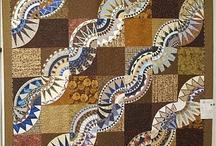 I love quilts... / by ❈Agnès ❧ Brun❈