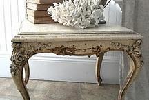 Mesas Shabby / Recopilación de mesas y mesitas en este estilo tan encantador