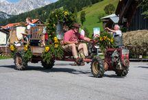 Filzmooser Bauernherbst / Bauernherbst in Filzmoos bedeutet Salzburger Brauchtum und Kultur in seiner ursprünglichen Form erleben. Traditioneller Almabtrieb und Erntedank, Bauernherbst-Feste und kulinarische Genüsse - unvergessliche Tage in der goldenen Herbstsonne genießen!