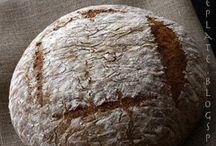 chleb na zakwasie i mieszany