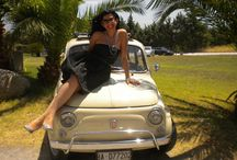 """#DonneIn500 / """"Donne in 500"""" è la nuova rubrica lanciata da Autoaspillo in collaborazione con il Fiat 500 Club Italia e si propone di condividere con le nostre lettrici racconti di donne comuni, amicizie, amori e viaggi, accomunati dalla passione delle protagoniste per la loro Fiat 500. Le storie saranno pubblicate ogni due settimane sul nostro sito autoaspillo.com e da subito potrete iniziare ad inviarci le vostre all'indirizzo: autoaspillo@gmail.com  oppure  ufficio.stampa@500clubitalia.it."""