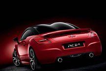 Diseño / Con un savoire-faire fruto de más de 200 años de fabricación de productos de consumo y 120 años de fabricación de automóviles, Peugeot tiene un largo camino recorrido en materia de creación y diseño. Ha sido un camino de continua evolución y en esta ocasión tocó el turno de presentar un nuevo paso en la identidad estilística de la marca.