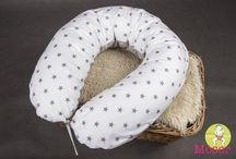 KOJÍCÍ POLŠTÁŘE / Těhotenský, relaxační a kojící polštář, pro těhotné a kojící maminky. Kojící polštář je vhodný i pro kojení dvojčat. Nenahraditelný pomocník při spaní v těhotenství