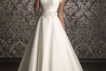 Wedding dresses / by Teresa Ryan