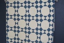 Blauwe en rode quilts