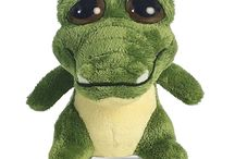 Stuffed Animals With Big Eyes / Stuffed animals with big eyes are always on the lookout for new friends. If you're interested in an item, don't forget to use the coupon code: PINIT10 to save 10% off of your order!!!