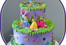 Cakes / by Briceidy Deciga