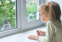 Fenster / Sie bestimmen das Gesamtbild des Hauses wesentlich mit und bringen auch noch Luft, Licht und Sonnenwärme ins Haus - wir mögen schöne Fenster!