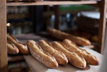 10 Steps of Making Bread / Join our artisanal bakers and learn how to bake bread the Le Pain Quotidien way. We offer a variety of bakery classes to suit all skill levels in our bakeries in Orange County, Philadelphia and New York City.  Our seasoned bakers will guide you through the baking process: from mixing the perfect dough to kneading, shaping and baking delicious breads and pastries. Learn their tips and tricks while enjoying the company of fellow students by the warm ovens.