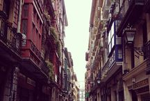 Casco Viejo de Bilbao / El Asador Arriaga está ubicado en el Casco Viejo de Bilbao, haciendo coincidir el ambiente de sidrería con el incomparable ambiente de txikiteo de la zona.  http://asadorarriaga.com/casco-viejo/